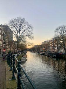 "alt=""amsterdam canal"""